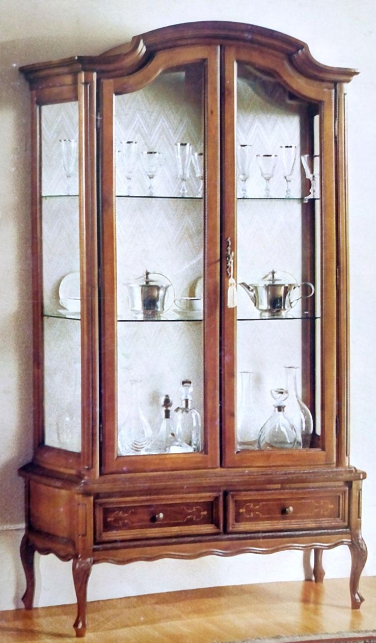 vitrine i komode archives dekor. Black Bedroom Furniture Sets. Home Design Ideas